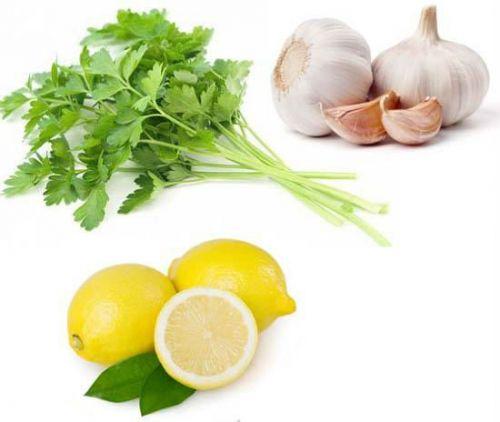 Лимон, чеснок и петрушка