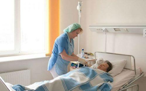 Пациент и медсестра