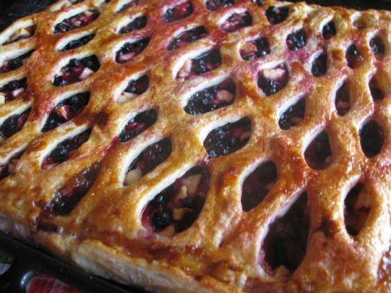 Яблочно-черничный пирог