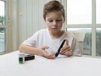Измерение сахара в крови у ребенка